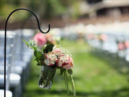 Inspirasi Dekorasi Rustic Untuk Wedding Outdoor